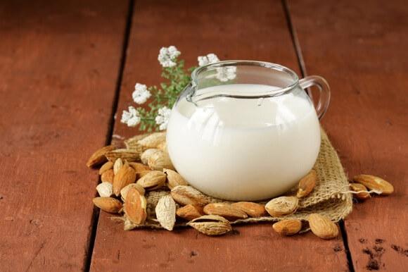 bademovo-mlijeko