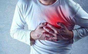 pritisak u prsima