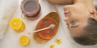 Prirodna kozmetika za lice od meda