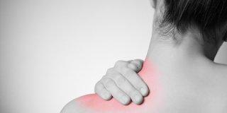 Bol u ramenu – uzroci i liječenje