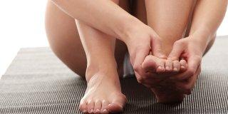 Žarenje, trnci i utrnulost u nogama i stopalima