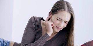Začepljene uši – uzroci i načini liječenja