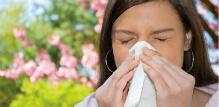 Curenje iz nosa – uzroci, simptomi i lečenje