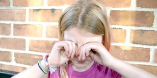 Konjuktivitis kod djece i beba – uzroci, simptomi, prevencija i liječenje