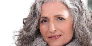 Sijeda kosa – što ju uzrokuje i kako ju spriječiti?