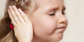 Upala uha kod djece – uzroci, simptomi i liječenje