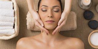 Masaža lica – kako masirati lice i poboljšati izgled kože?