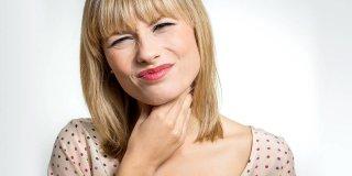 Sekret u grlu – uzroci prekomjerne sluzi i kako je smanjiti