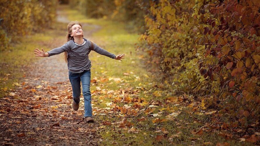 dijete trči