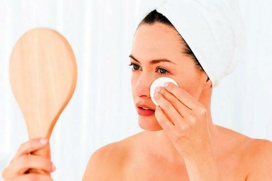 Ricinusovo ulje za čišćenje lica