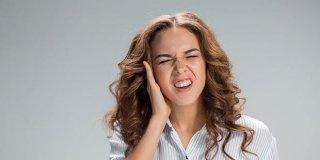 Zujanje u ušima (tinitus) – uzroci, simptomi i liječenje