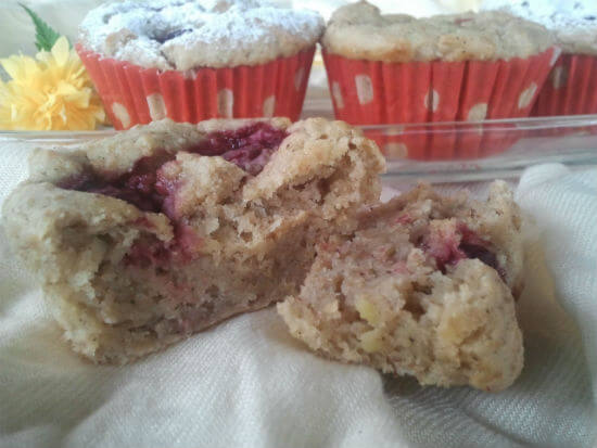 muffini-s-avokadom-i-visnjama