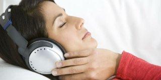 Video: Glasna glazba iz slušalica može imati posljedice za sluh