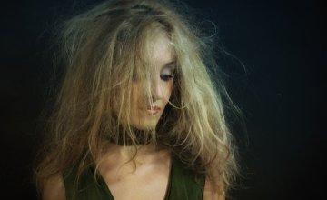 naelektrizirana-kosa