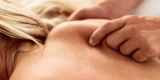Bol u lopatici – 15 uzroka i 5 načina da je ublažite