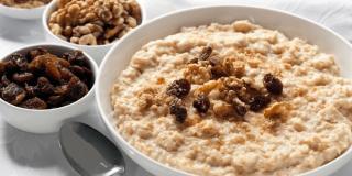 Zobena kaša – 7 razloga zašto bi trebali jesti zobenu kašu svaki dan