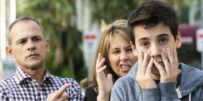 adolescent-i-roditelji