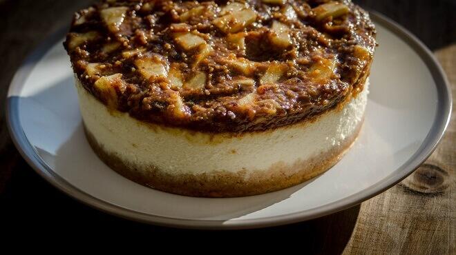 cheesecake-s-jabukom