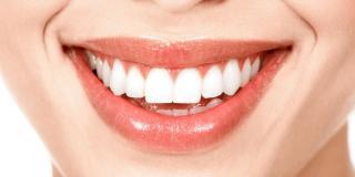 Kokosovo ulje za izbjeljivanje zubi i jačanje zubne cakline
