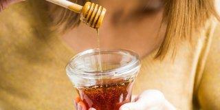 Manuka med – koliko je zdrav, smiju li ga jesti djeca i gdje ga kupiti