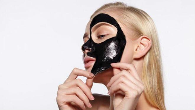 maska-s-aktivnim-ugljenom