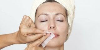 Depilacija lica i nausnica – brzo i učinkovito uklanjanje dlačica