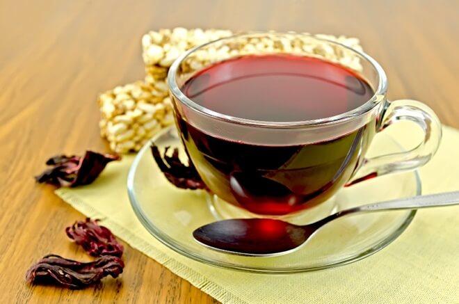 čaj od cvijeta hibiskusa