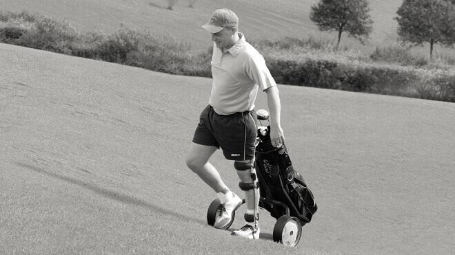 golfer-s-ortozom-za-koljeno