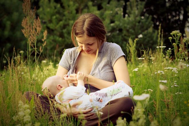 krv u stolici kod dojene bebe