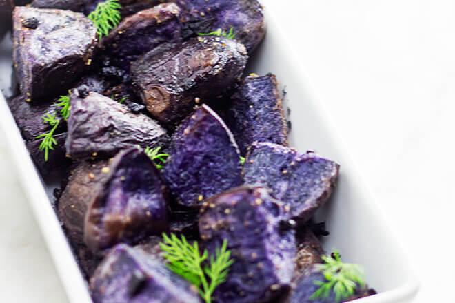 peceni plavi krumpir