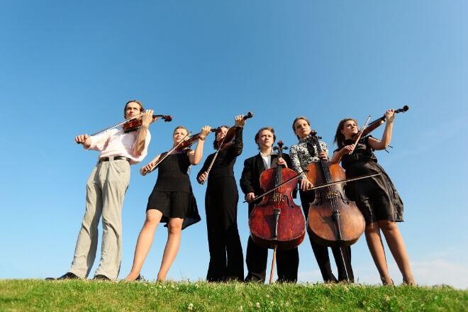Skupna-muzikoterapija