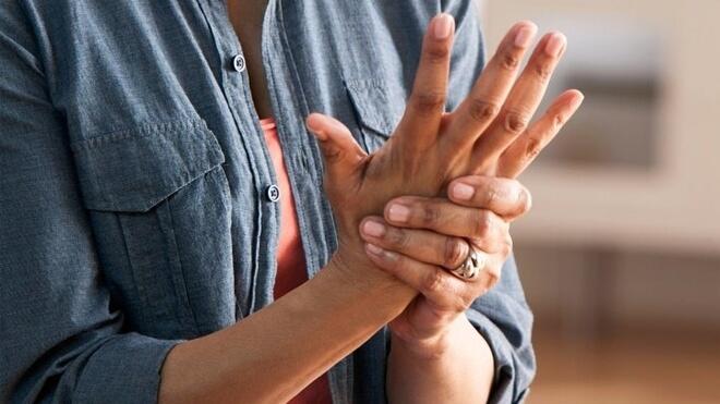 desna ruka