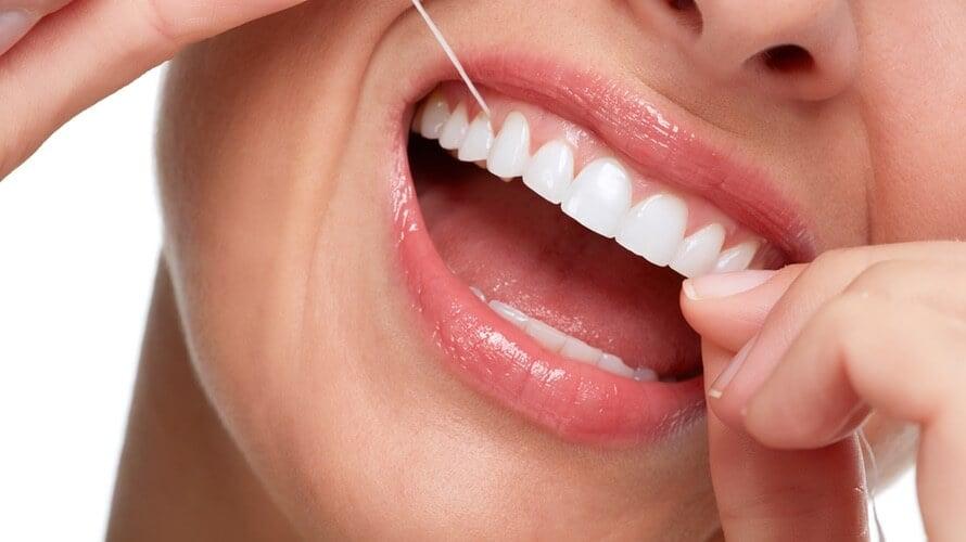 Gingivitis - čišćenje zuba koncem