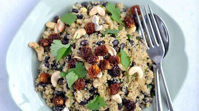 kvinoja-s-peruanskom-jagodom