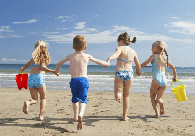 Yasenka Uro Balance djeca na plaži