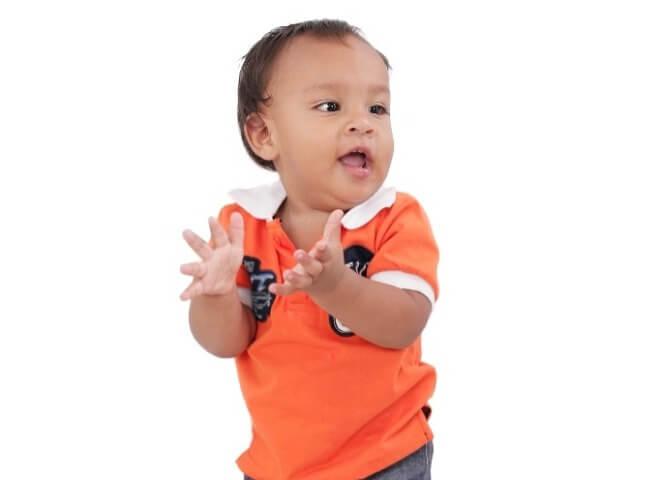 Dijete-pleše
