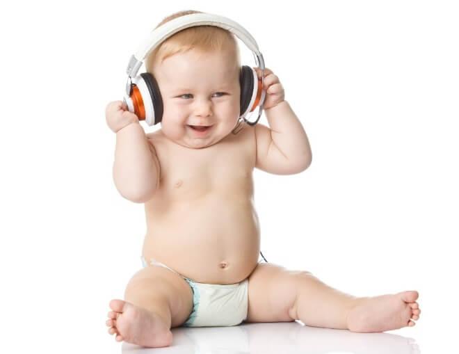 Dijete-sluša-glazbu
