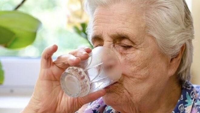 dehidracija kod starijih osoba
