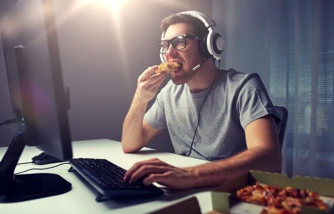 Muškarac-na-internetu