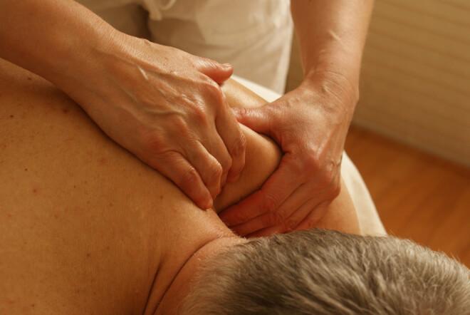 Bol u ramenu - terapija