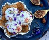 Sladoled s bademima, indijskim oraščićima i smokvama
