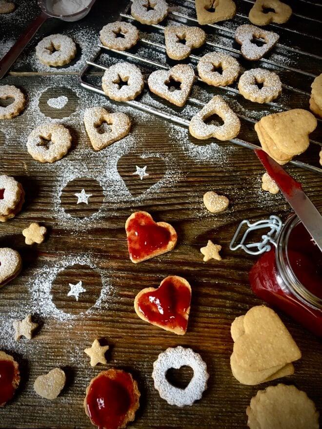 Veganski linezeri s marmeladom od maline