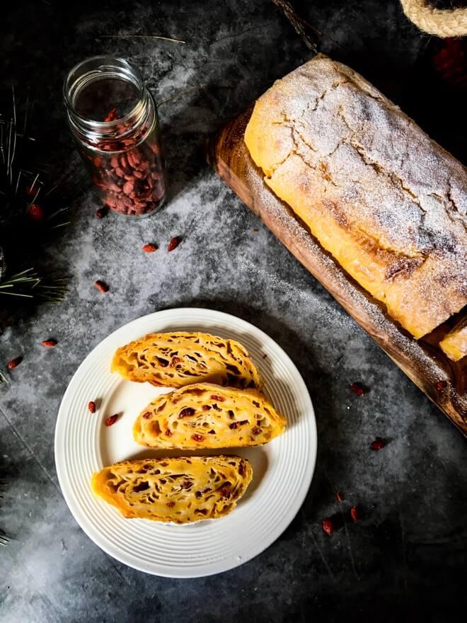 Veganska rolada od sira pudinga i griza