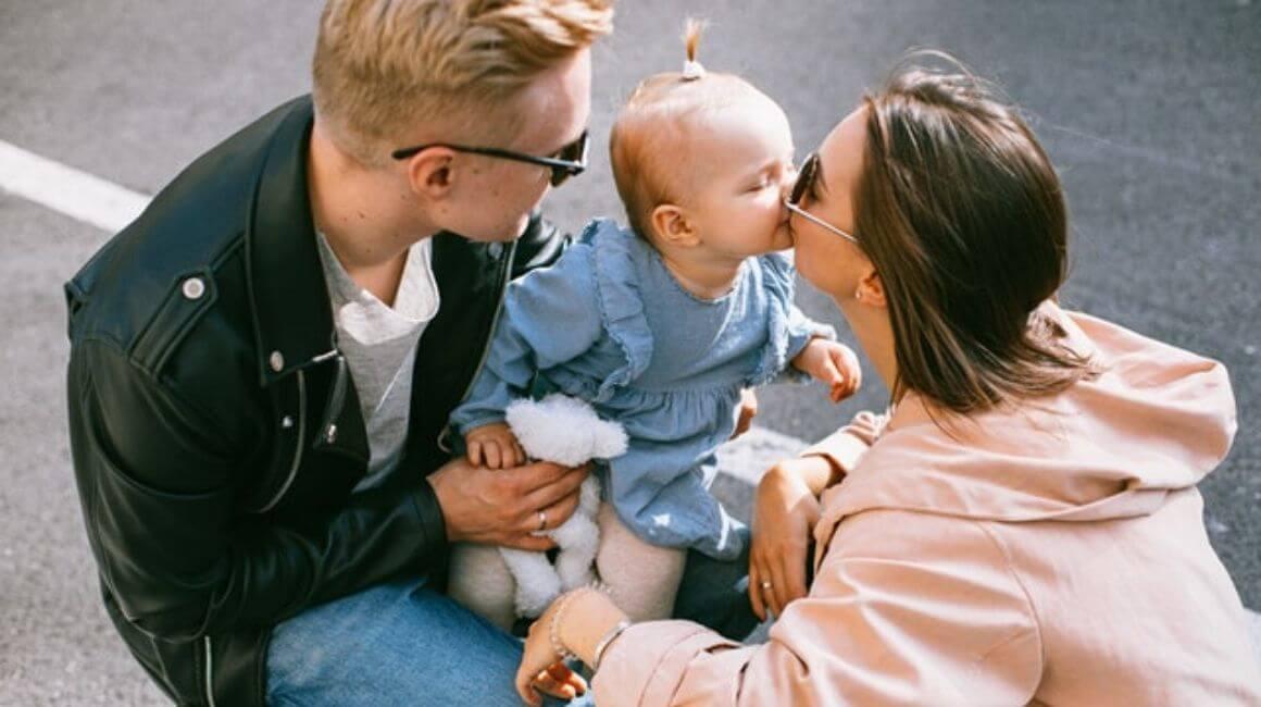 Dijete ljubi majku