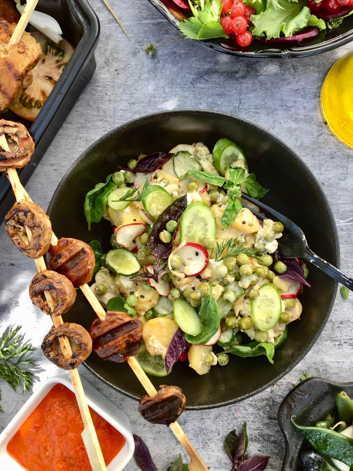 Salata od krumpira, graška i komorača