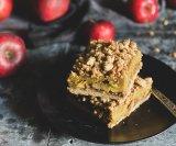 Prhka pita od jabuka i pudinga od vanilije