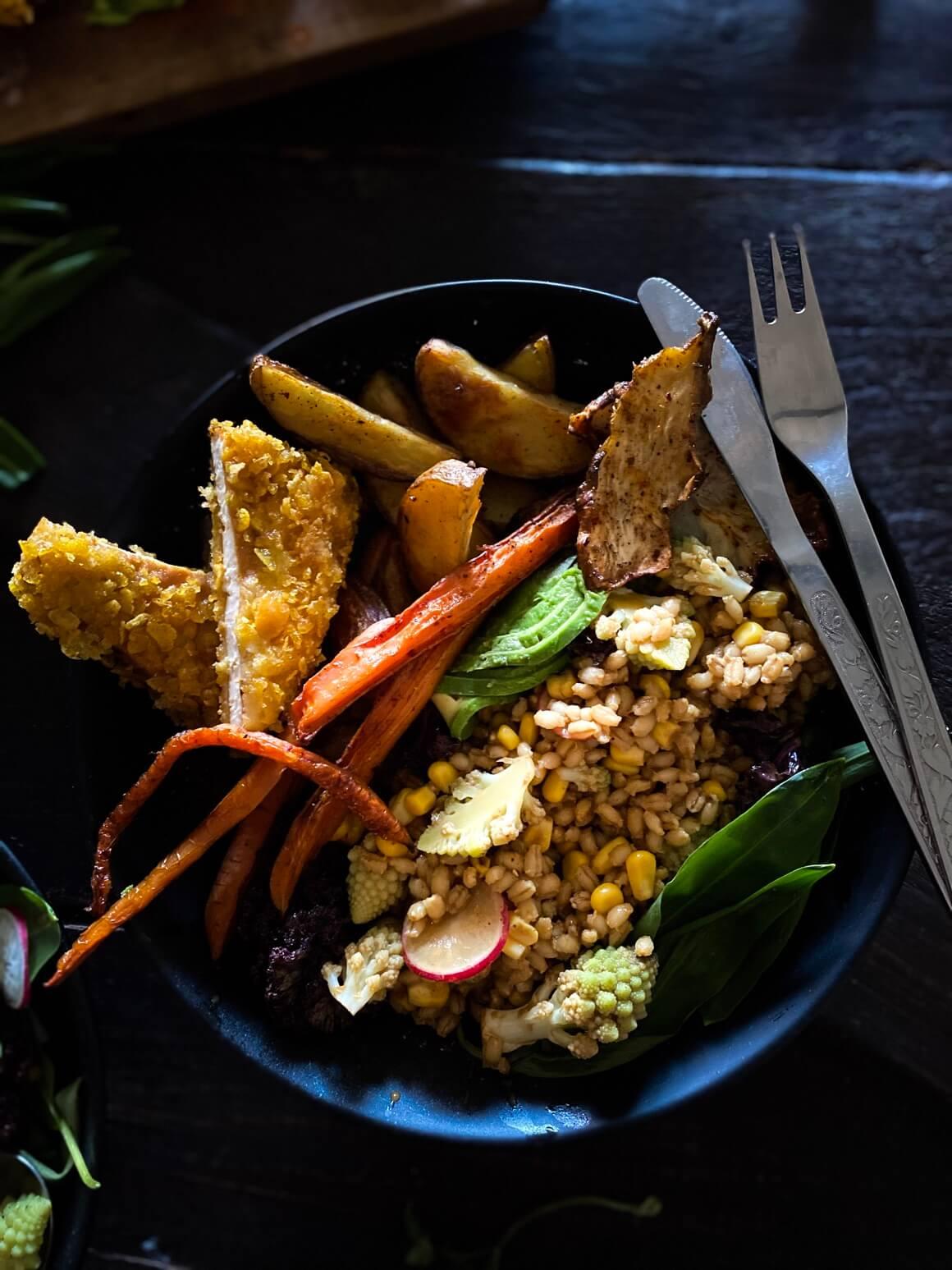 Salata od kukuruza i ječma kao prilog