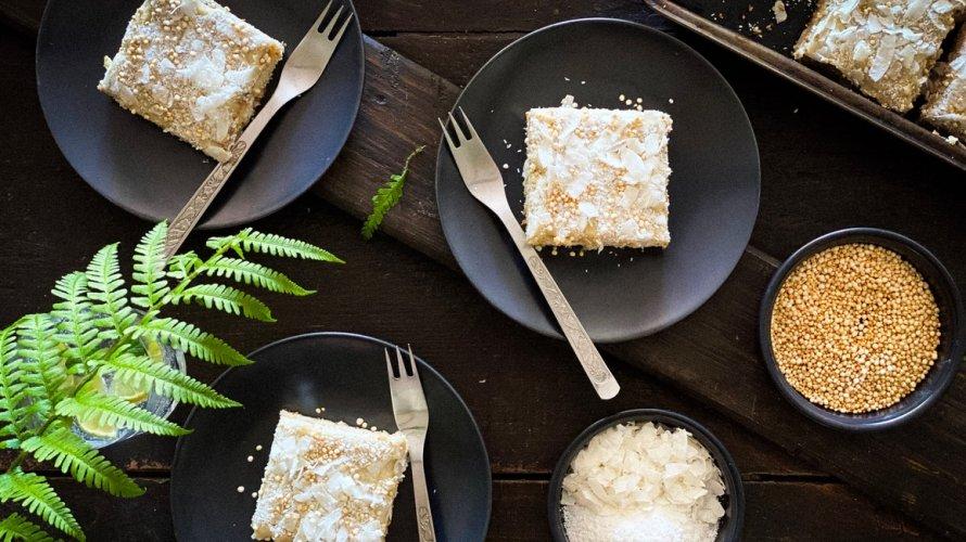 Kolač od kokosa i bijele čokolade